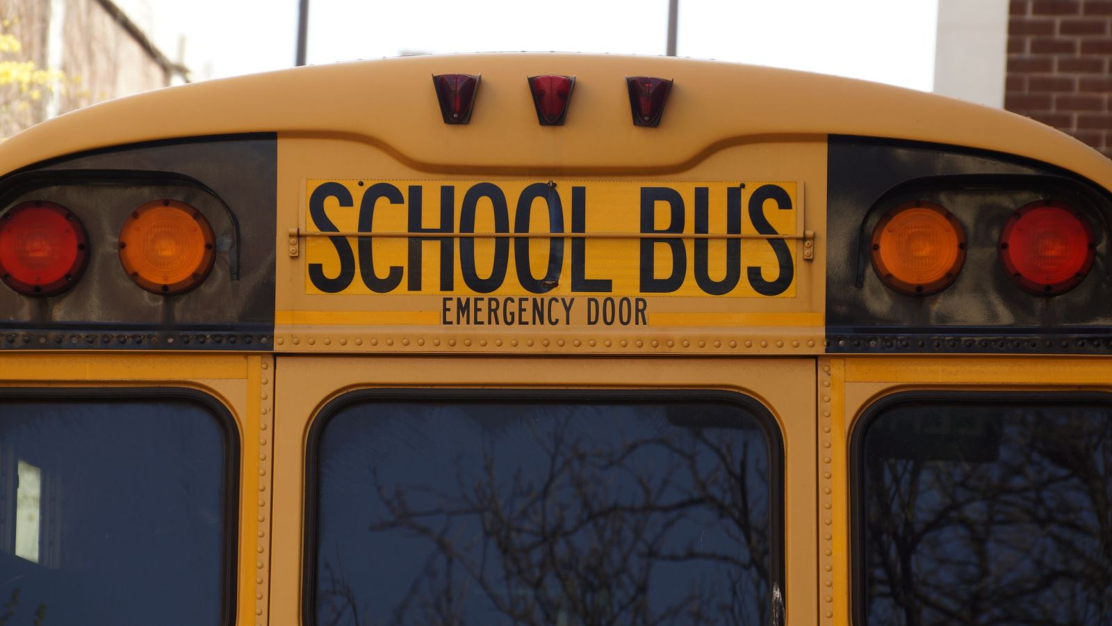 Iowa DOT announces more than $3 million in funding for electric school buses